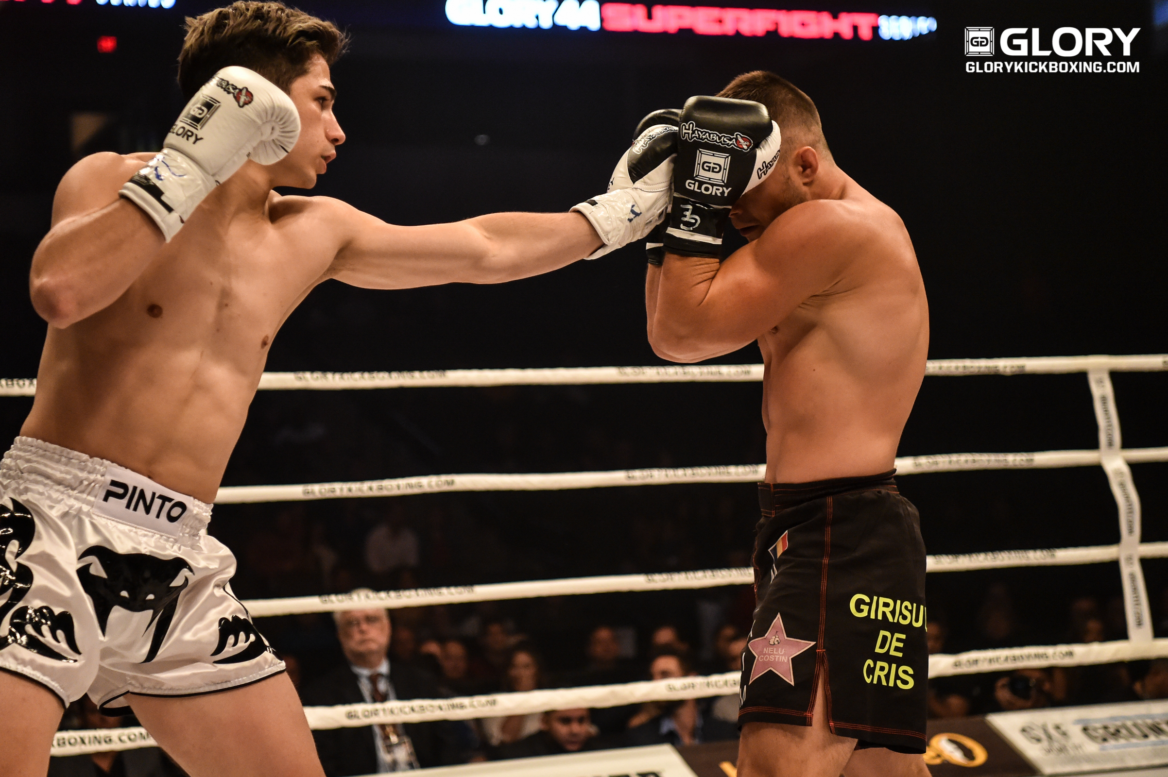 Leo Pinto narrowly bests Maxim in GLORY 44 SUPERFIGHT SERIES opener