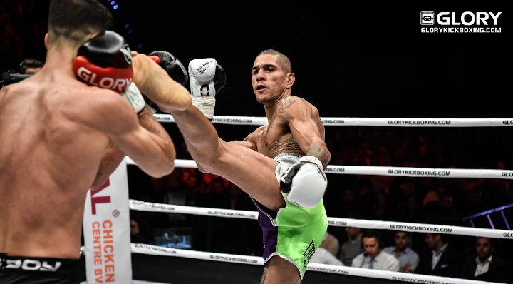 Alex Pereira retains world middleweight title