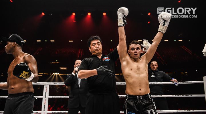 Jaraya goes to war to score GLORY debut win in Rotterdam