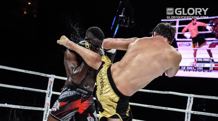 Vakhitov outlasts very game Ilunga, retains light heavyweight belt