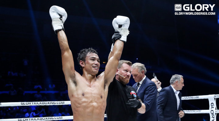 Sitthichai tops Grigorian for fourth time, retains lightweight title