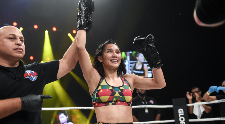 Chommanee edges Nichols after back-and-forth bout